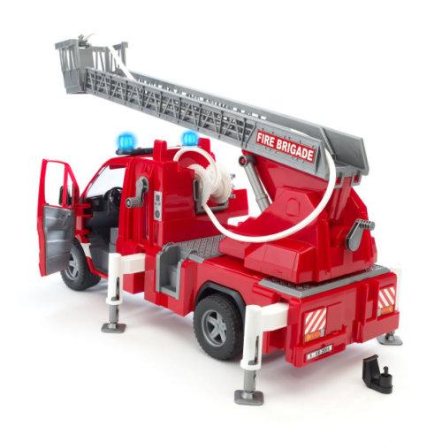 Bruder MB Sprinter пожарная машина с лестницей и помпой с модулем со световыми и звуковыми эффектами