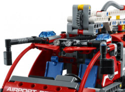 LEGO Technic Автомобиль спасательной службы аэропорта