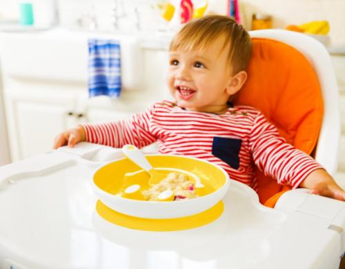 Munchkin Набор «Улыбка» (тарелка на присоске и ложка) 9+ Желтый