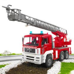 Bruder Пожарная машина MAN с лестницей и помпой с модулем со световыми и звуковыми эффектами
