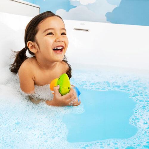 Munchkin игрушка для ванны цветные рыбки ColorMix Fish ™12+ NEW